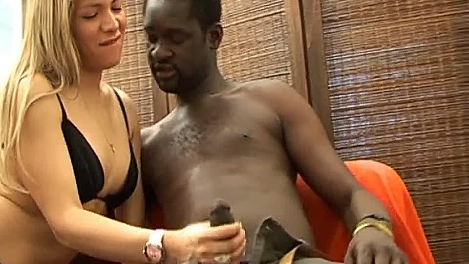 Kostenlose Bilder von nackten schwarzen Mädchen