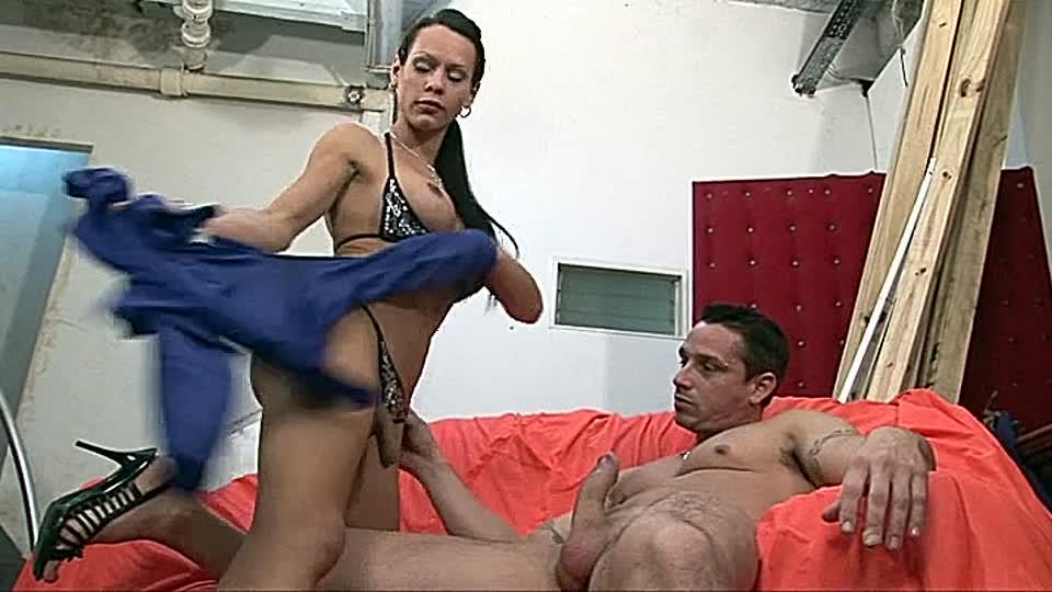 junge madels experimentieren mit ihren pussys