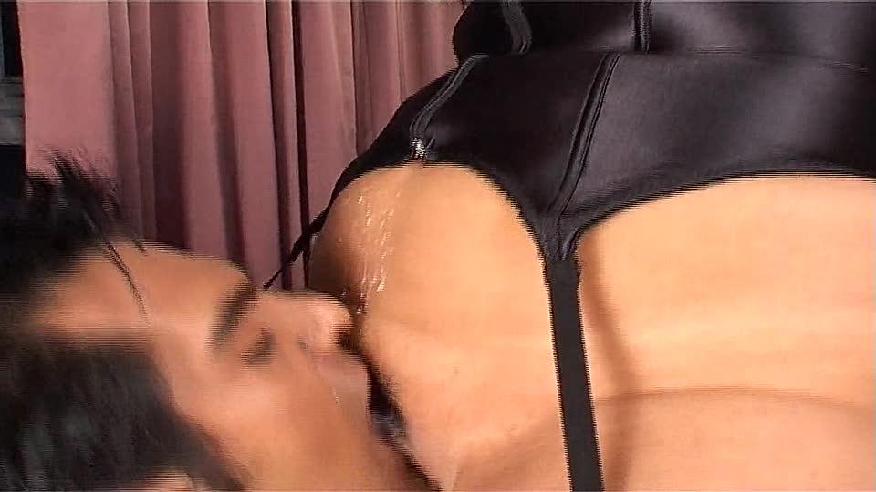 nylons riechen domina erzieht sklaven