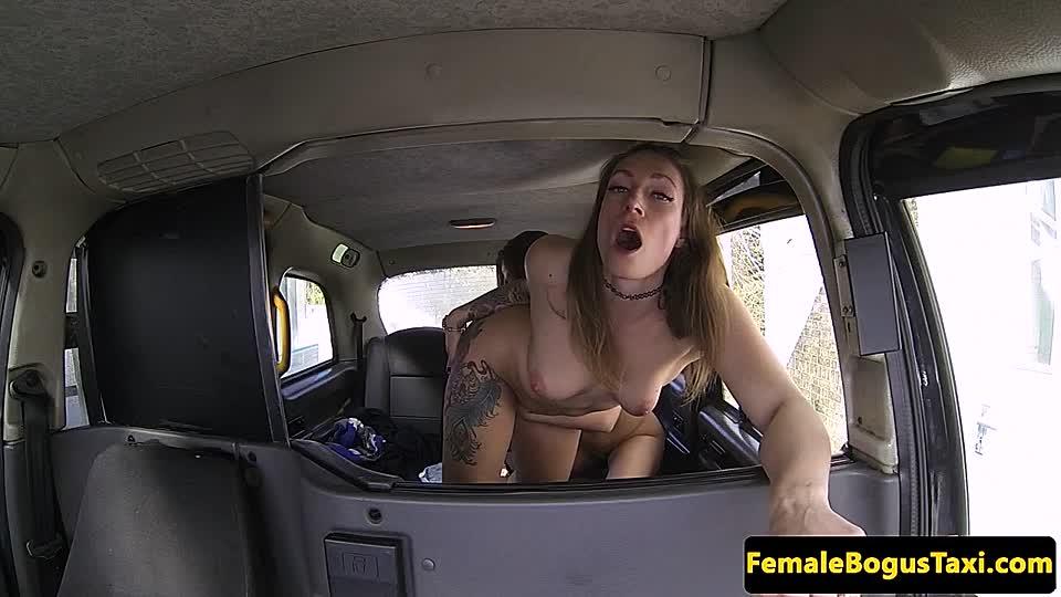Lesbische Teenie-Pussy lecken
