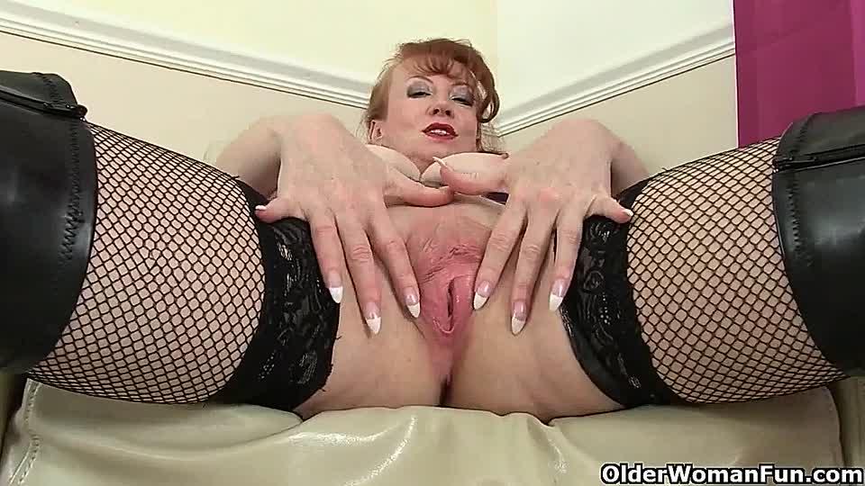britische milfs mit geilen eutern besorgen es ihren pussys