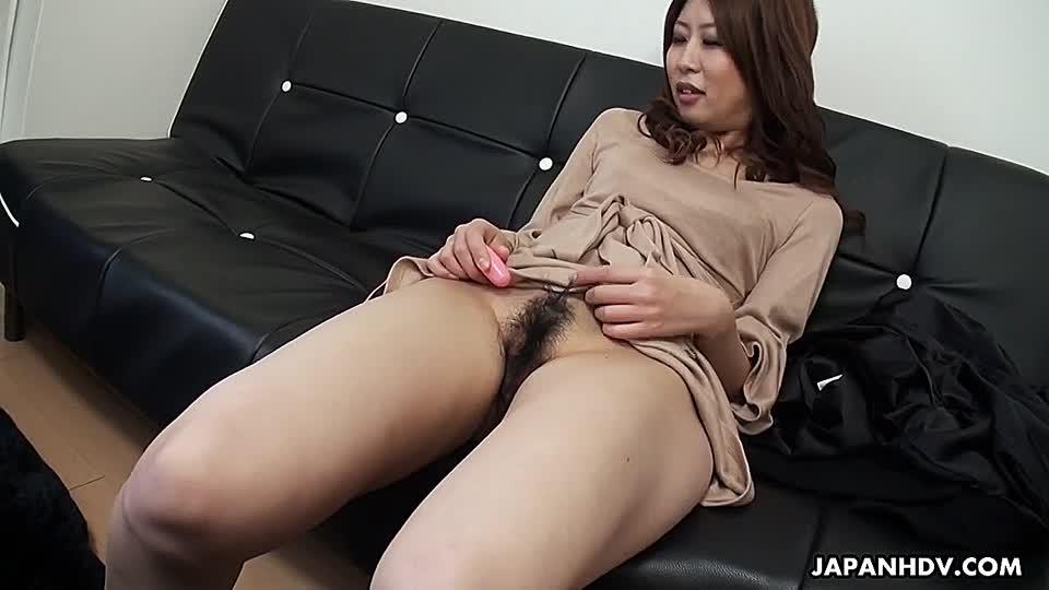 wilder ritt auf dem sofa